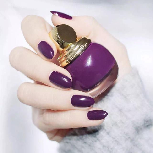 - 个性显白紫罗兰色纯色(可换色)