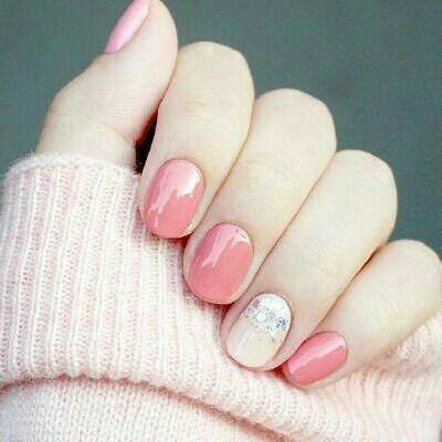 - 纯色  可换色   显手白