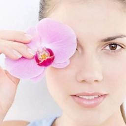 - 清滢水润眼护,改善黑眼圈眼袋