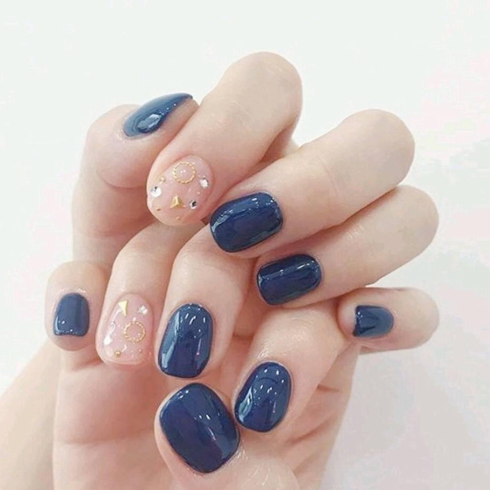 - 【爆款】秋冬显白蓝色