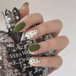 - 夏季绿色波点可爱显白款