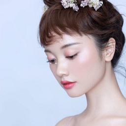 - 【人气款】氧气少女妆+发型