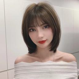 - 女式发型精致修剪
