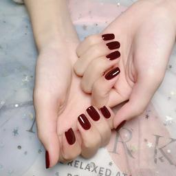 - 网红纯色气质美甲