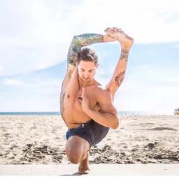 - 纤体力量瑜伽