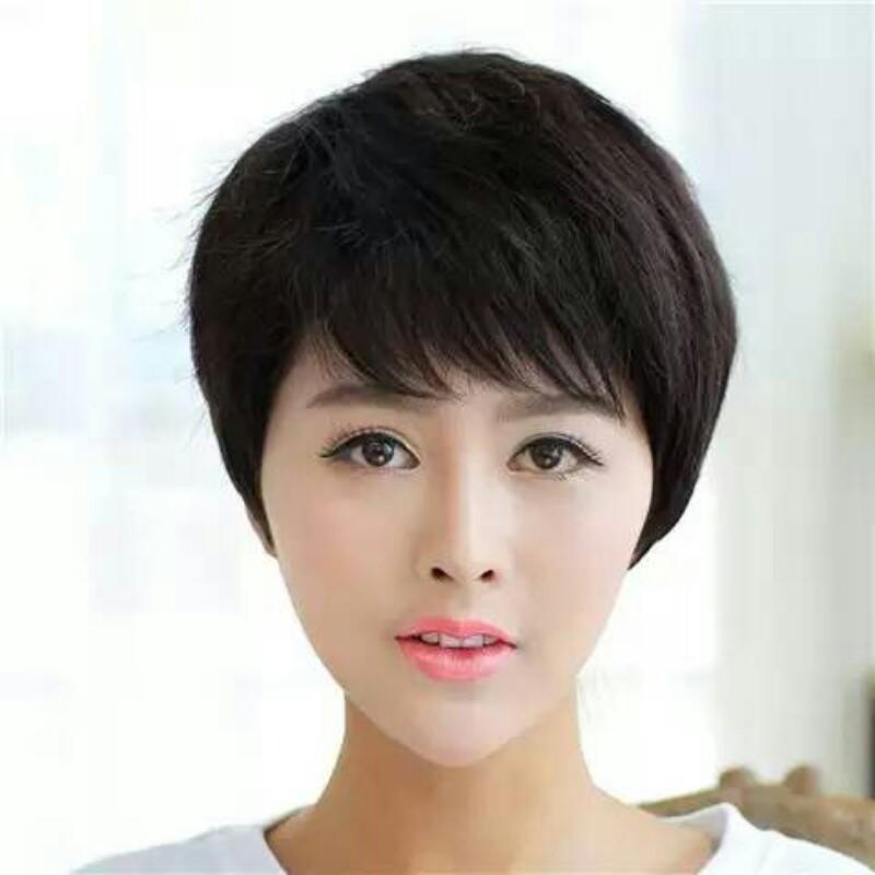- 职场女强人减龄好打理短发