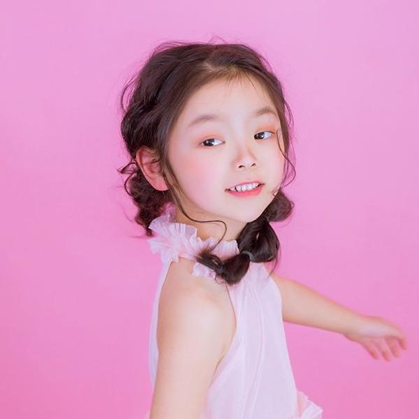 - 儿童宝宝演出写真拍摄妆含发型